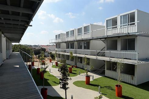 """כפר המכולות בשדרות. 163 יחידות דיור ל-300 סטודנטים (צילום: קובי גדעון, לע""""מ)"""