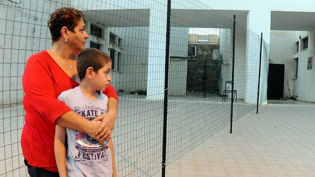 Terrorized: Anita Rosenbaum and her son, Bar (Photo: Haim Horenstein) (Photo: Haim Horenstein)