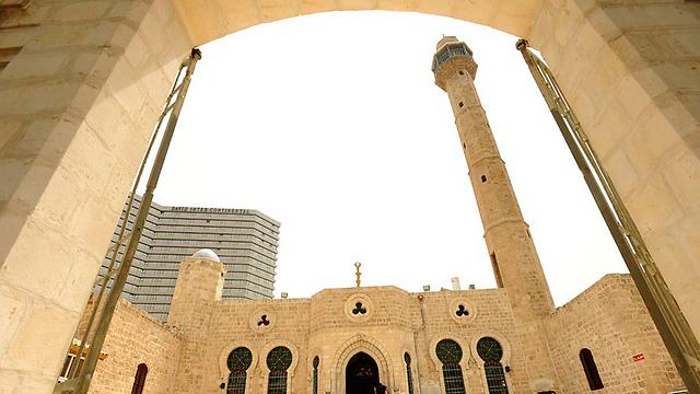מסגד חסן בק ביפו (צילום: דודו אזולאי)