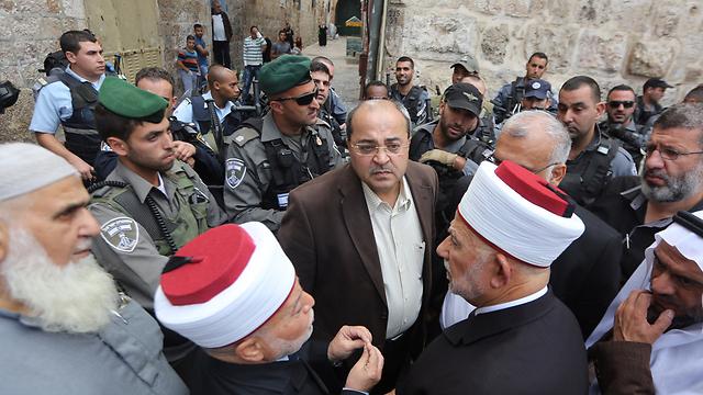 Tibi at Temple Mount during tensions (Photo: Gil Yohanan)