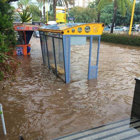 Flooding in Ganey Tikvah (Photo: Naftali Yahlentzik)