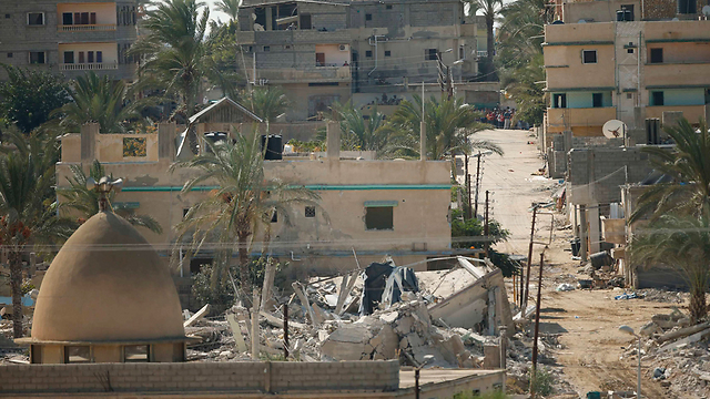 Destruction in Egyptian Rafah as army builds buffer zone (Photo: Reuters)