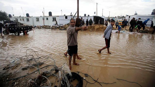 Flooding in Khan Younis following rainy weather (Photo: Reuters)