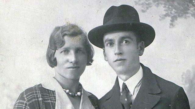 """התמונה שהגיעה מבת הדודה בארה""""ב: רוזי ואיגנץ גוטסמן ()"""