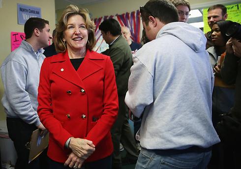 הסנאטורית קיי האגן, מועמדת הדמוקרטים בצפון קרוליינה (צילום: AFP) (צילום: AFP)