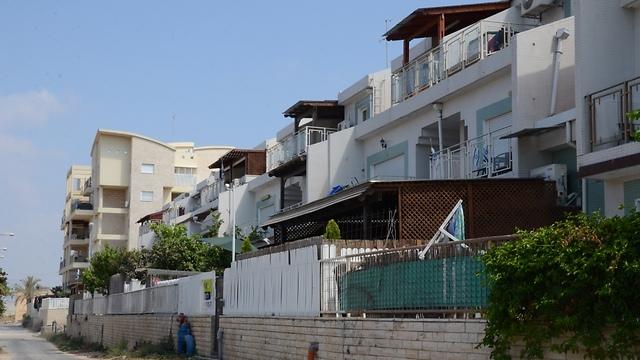 עכו. 113 משכורות - תמורת דירה ממוצעת (צילום: מוחמד שנאוי) (צילום: מוחמד שנאוי)