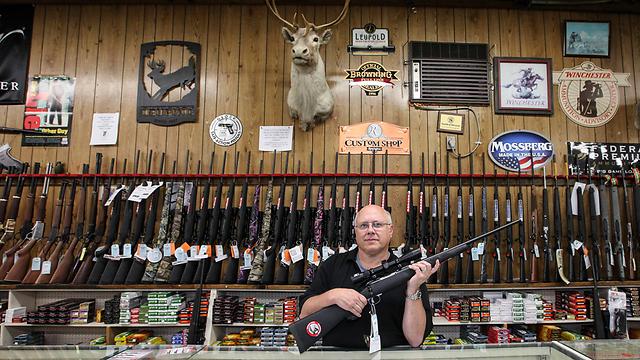 """כל אחד יכול לרכוש נשק בארה""""ב (צילום: MCT) (צילום: MCT)"""