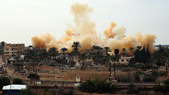 Egyptian military operations near Rafah (Photo: AFP) (Photo: EPA)