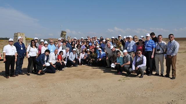 הקונסולים בסיור. מודאגים מבעיית הדימוי של ישראל (צילום: שלומי אמסלם) (צילום: שלומי אמסלם)