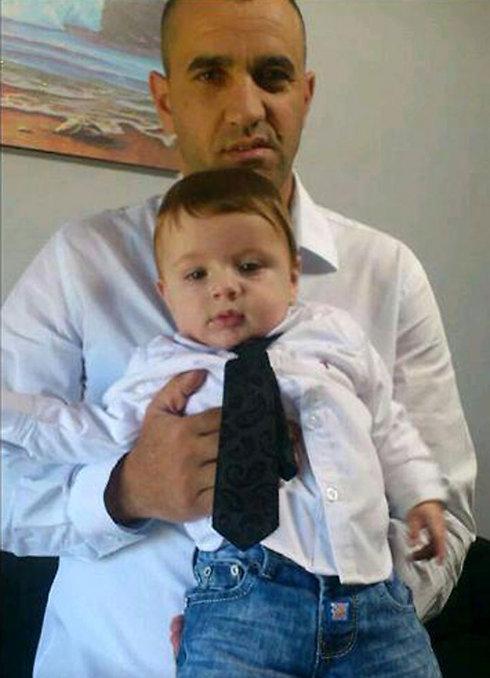 """רפ""""ק ג'דעאן אסעד שנרצח בפיגוע היום, עם בנו (צילום: באדיבות המשפחה) (צילום: באדיבות המשפחה)"""
