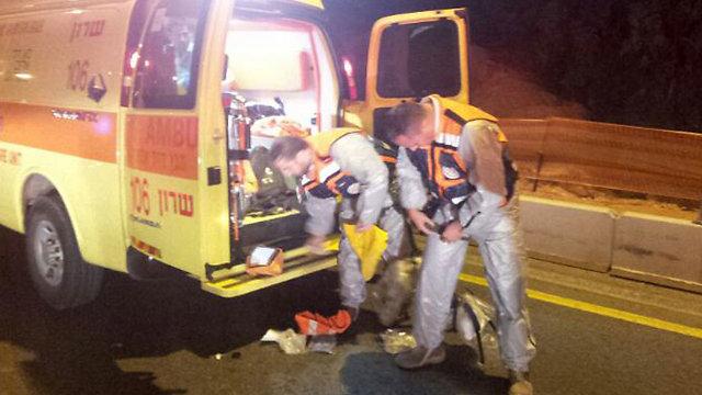 """דליפת האמוניה. צוותי החירום נערכים (צילום: מד""""א)"""
