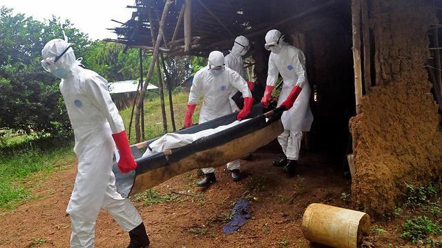 אלפי מתים. ליבריה בתקופה הקשה (צילום: AP) (צילום: AP)
