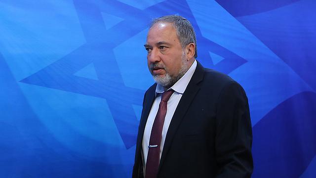 """הביע תמיכה מסוימת בפתרון אזורי כולל ברוח היוזמה הערבית. ליברמן (צילום: אלכס קולומויסקי, """"ידיעות אחרונות"""" )"""