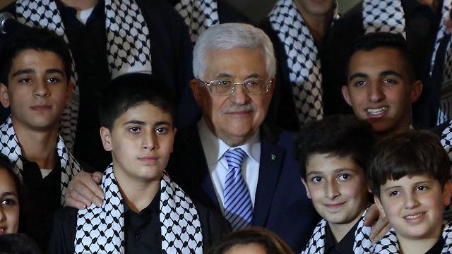 President Mahmoud Abbas announces Arafat's shrine will be moved to Jerusalem on Monday. (Photo: AP)