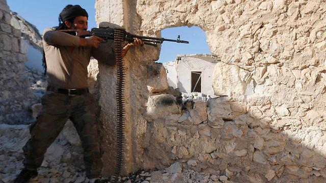 גם בקרב המורדים משתמשים רבים בסמים כדי לשפר את יכולות הלחימה (צילום: רויטרס)
