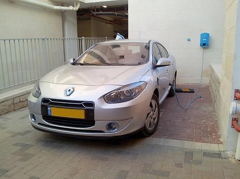 רכב חשמלי. מס הקנייה עולה ל-10% (צילום: רועי צוקרמן)