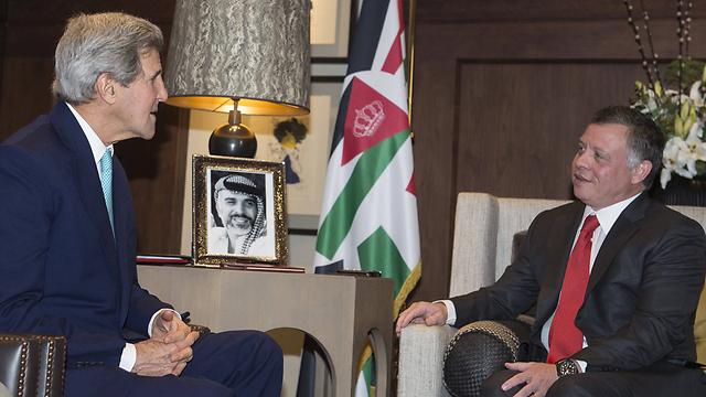 Jordan's King Abdullah with Kerry (Photo: AFP) (Photo: AFP)