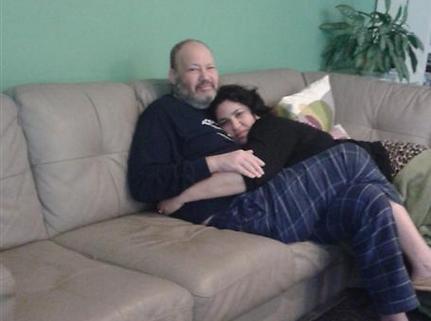 """לחצו על הרופאה לעשות צילום ריאות. ד""""ר אלעד שילה ואשתו ד""""ר שני שילה"""