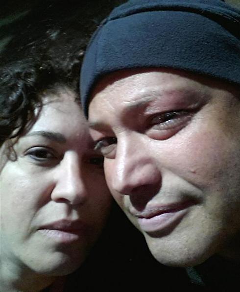 """""""החיים חזקים מאיתנו"""". שני שילה ואלעד בתקופת ההקרנות שקיבל למוח ()"""