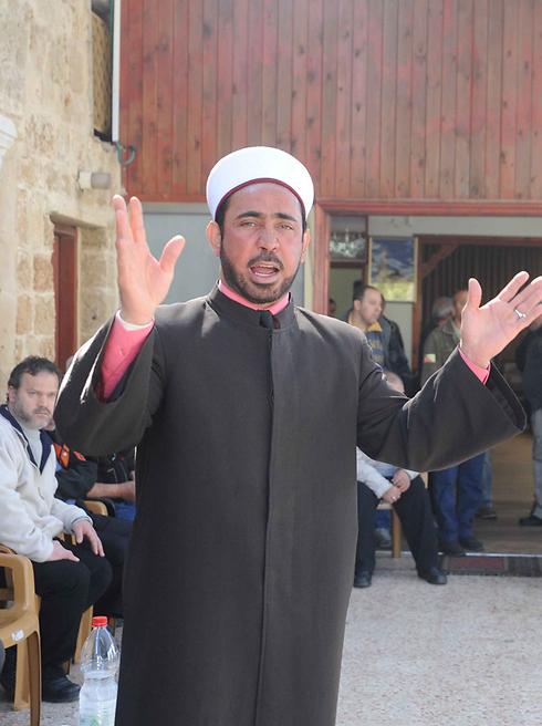 """רוצה להקדיש זמן למשפחה"""". שייח' עאסי (צילום: אביהו שפירא)"""