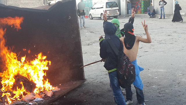 Palestinian children rioting at the Shuafat Refugee Camp. (Photo: Mohammed Shinawi) (Photo: Mohammed Shinawi)