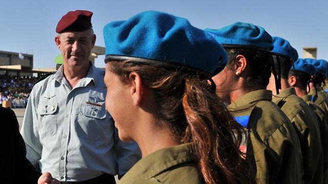 ארכיון. טקס סיום קורס קצינים (צילום: אריאל חרמוני, משרד הביטחון) (צילום: אריאל חרמוני, משרד הביטחון)
