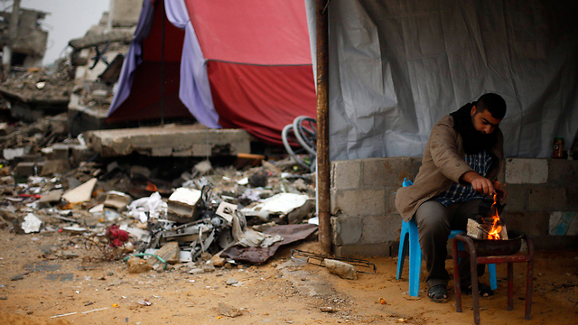 Makeshift shelters (Photo: Reuters) (Photo: Reuters)