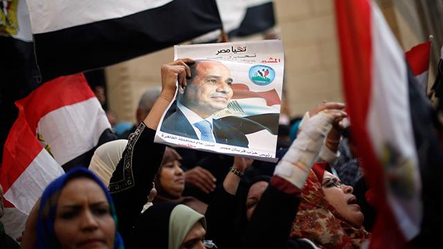 """הפגנה בקהיר נגד """"האחים המוסלמים"""" (צילום: רויטרס) (צילום: רויטרס)"""