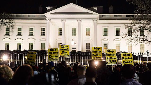 הפגנה גם מול הבית הלבן  (צילום: רויטרס) (צילום: רויטרס)