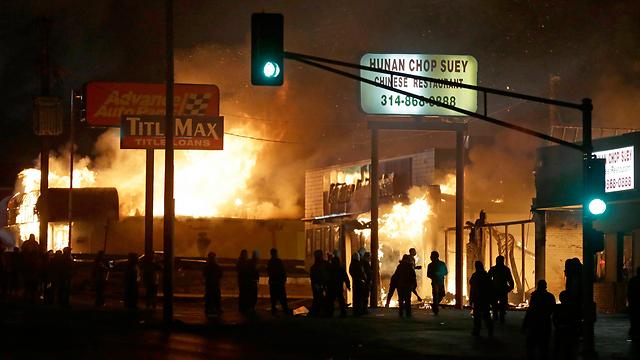 מיזורי עולה בלהבות  (צילום: AP) (צילום: AP)