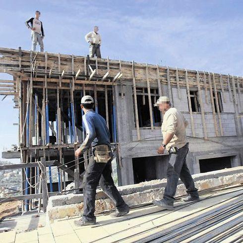 פועלי בניין (צילום: שאול גולן)