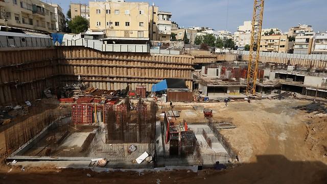"""אתר בנייה במרכז ת""""א. """"ענף הנדל""""ן חייב תוכנית לטווח ארוך, שתיתן מענה לכל ההיבטים - שיווק, תכנון, ביצוע ומימון"""" (צילום: ירון ברנר)"""
