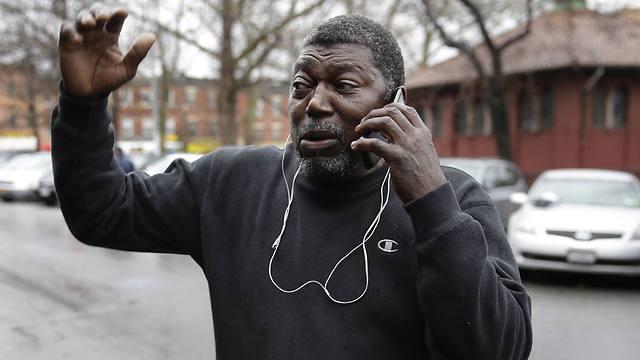 דרש חקירה פדרלית. אביו החורג של גרנר (צילום: AP) (צילום: AP)