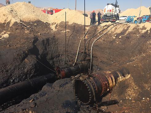 הצינור שגרם לאסון האקולוגי (צילום: דוברות המשרד להגנת הסביבה) (צילום: דוברות המשרד להגנת הסביבה)