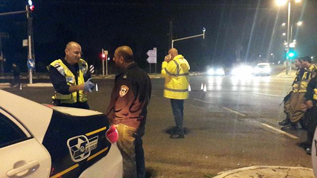זירת התאונה בצומת בית דגן, אמש (צילום: אלי סניור) (צילום: אלי סניור)