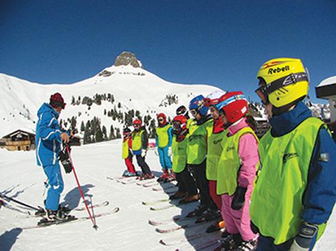 קייטנת סקי לילדים. בלי להפסיד שבוע לימודים ()