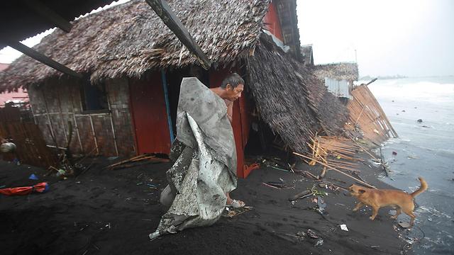 נזקי טייפון בפיליפינים. ארכיון (צילום: AP) (צילום: AP)