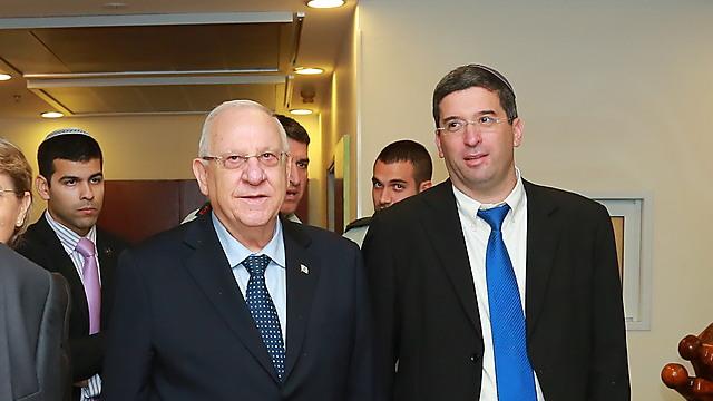 סגן שר החינוך אבי וורצמן ונשיא המדינה ראובן (רובי) ריבלין (צילום: דניאל מליחי)