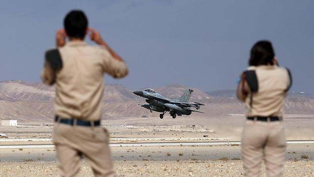 העברת נשק לחיזבאללה: קו אדום עבור ישראל (צילום: EPA)