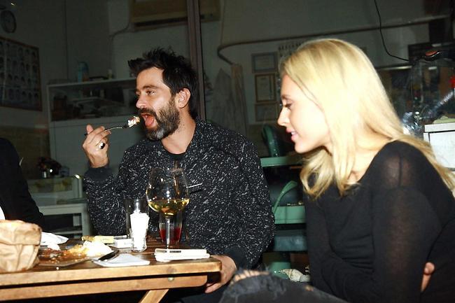 מאמי די, זה לא טוב לאכול בלילה. יהודה לוי ולי לוי צמודים (צילום: אמיר מאירי)