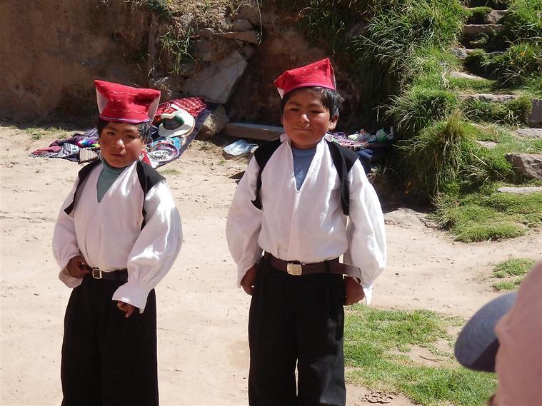 ואצלנו התלמידים מתלוננים על התלבושת האחידה... (צילום: יוסף ג'קסון (ג'קסי))