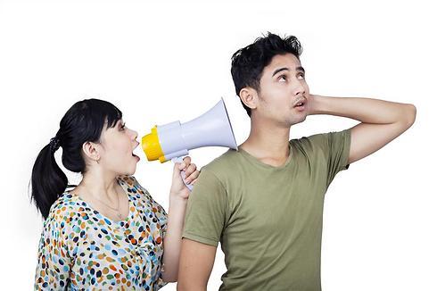 הוא בן הזוג שלך, לא תלמיד בבית הספר (shutterstock) (shutterstock)