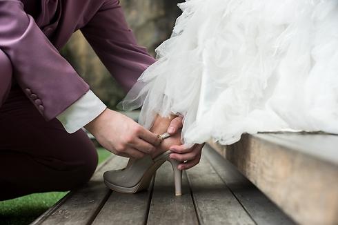 אתה לא חייב להחזיר לה את הנעל (צילום: Shutterstock)