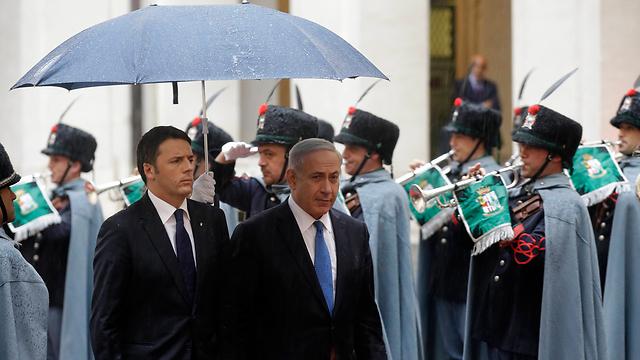 Netanyahu and Italian Prime Minister Matteo Renzi in Rome (Photo: AP)