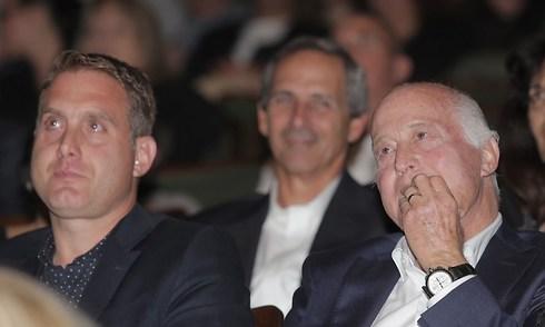 נרגש בעת קבלת פרס למפעל חיים. דרור קשטן (צילום: ראובן שוורץ) (צילום: ראובן שוורץ)