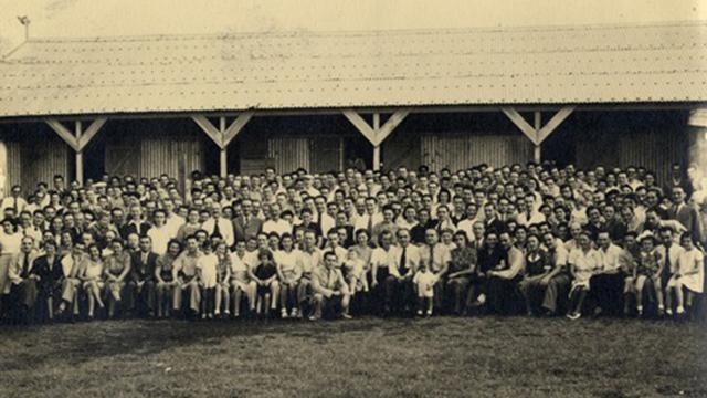 המעפילים היהודים במחנה במאוריציוס (צילום: מוזיאון בית לוחמי הגטאות ) (צילום: מוזיאון בית לוחמי הגטאות )