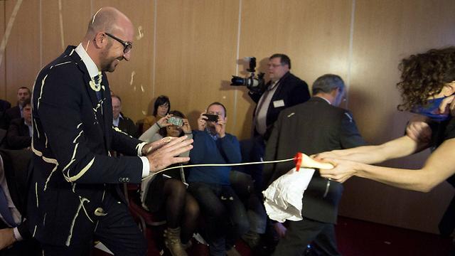 תקרית המיונז, הערב בבלגיה (צילום: AFP) (צילום: AFP)