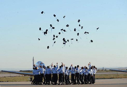 Graduates of the IAF's 169's pilot training (Photo: Herzl Yossef)