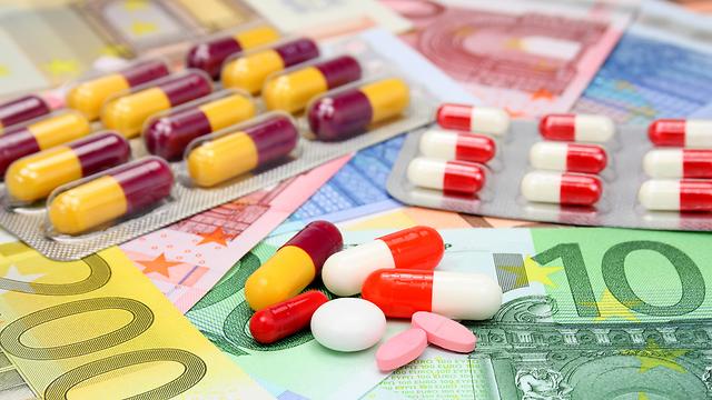 """""""תאבות בצע ונטולות מעצורים""""? הדימוי של חברות התרופות (צילום: shutterstock) (צילום: shutterstock)"""