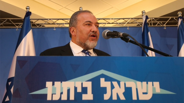 """יו""""ר ישראל ביתנו אביגדור ליברמן, הערב באריאל (צילום: מוטי קמחי) (צילום: מוטי קמחי)"""